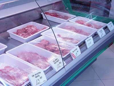 """Мясной магазин """"Дева"""": мясная витрина"""